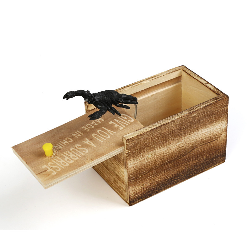 Huilong Prank Toy Surprise Box Animal Spider Wooden Box Practical Fun Joke Mischievous Toy Gift Scared Whole Screaming Toy