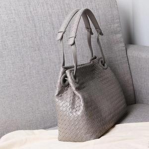 Image 3 - woman Genuine leather  manual  Weave Single shoulder large volume package  Woman  High quality  Inner zipper bag  Shoulder strap