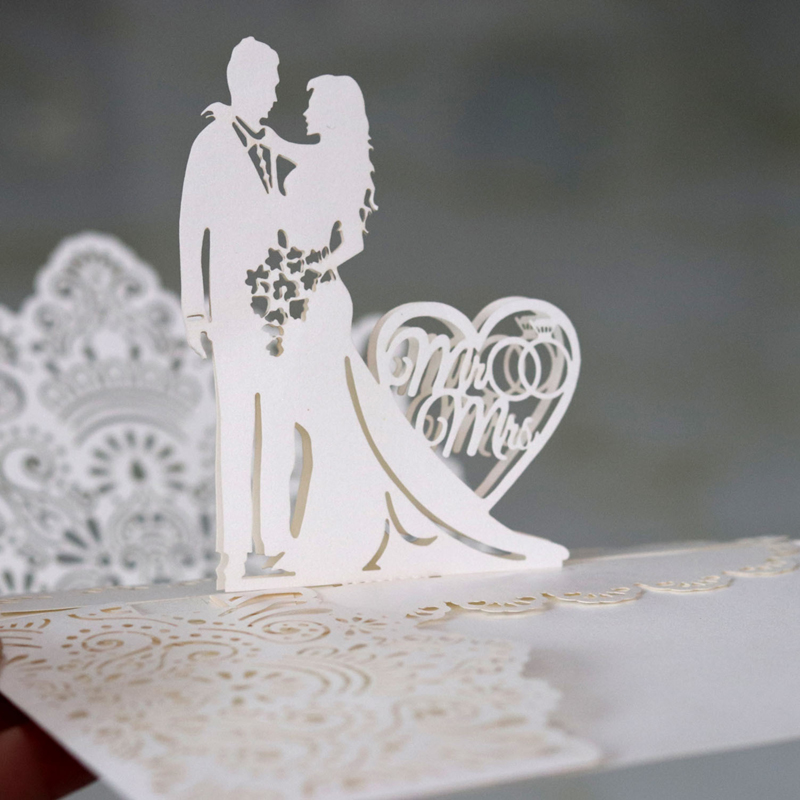 (10 pieces/lot) 3D Pop Up Mr&Mrs Wedding Ring Design Invitation Card Laser Heart Couple Engagement Postcard Invitations IC053