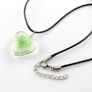 Image 2 - 1PC crystal glass dried flower pendant clover necklace fashion small fresh couple decoration birthday gift jewelry men and women