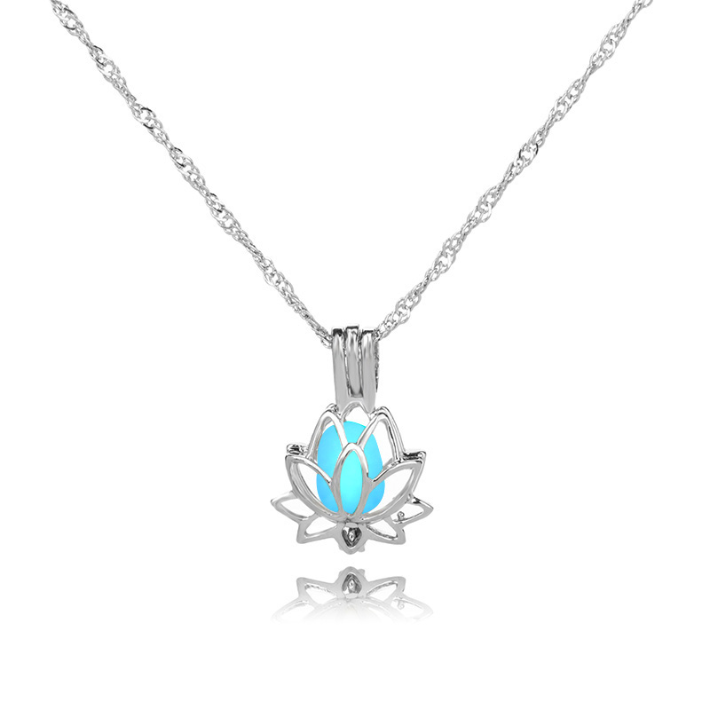 H68c2ded4e92841fa8083d03279f05432R - 3 Colors Glowing In The Dark Lotus Flower Shaped Pendant Necklace Charm Chain Delicacy Necklace Luminous Party Jewelry Women