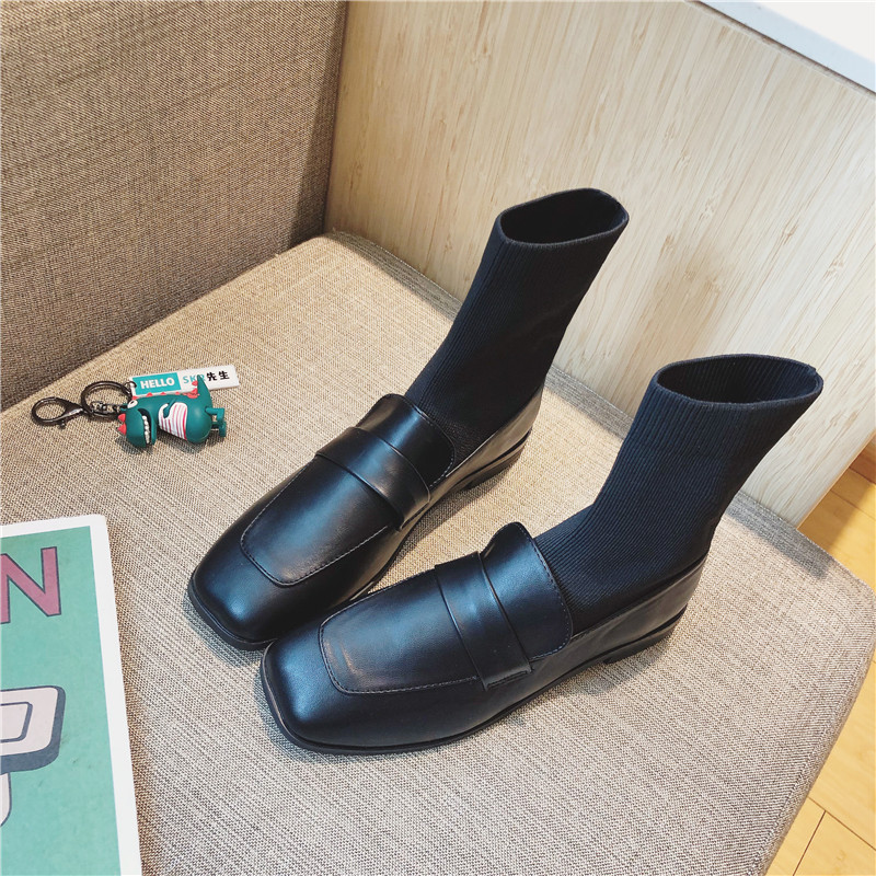 2019 Winter Ladies Simple Color Matching Style Sliding Into The Thick Martin Boots Casual Fashion Comfortable Martin Boots Black