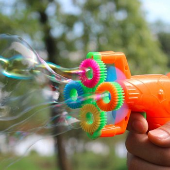 цена на portable Electric Soap Bubble Gun power Automatic Bubble Water blowing machine kids holiday water gun toy