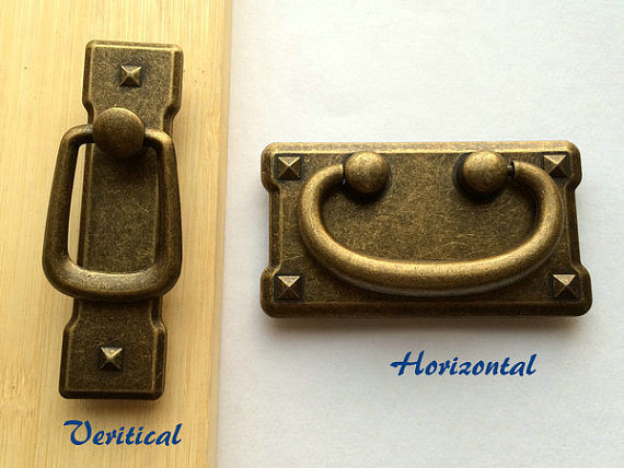 2 Victorian Style Aged Brass Drawer /& Cabinet Pull Handle Knob