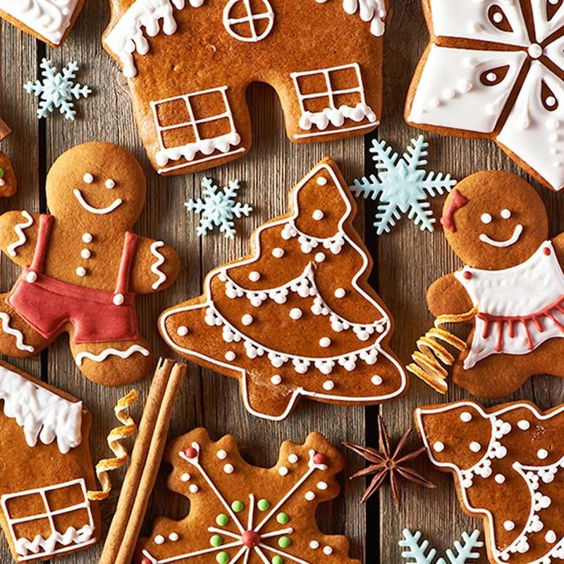 Emporte Pi/èces Noel,Liuer 18PCS Moule /à Biscuits en Acier Inoxydable Emporte-pi/èce pour G/âteau,Cookie,Fondant,P/âtisserie,Noel Formes Divers Biscuits de F/ête