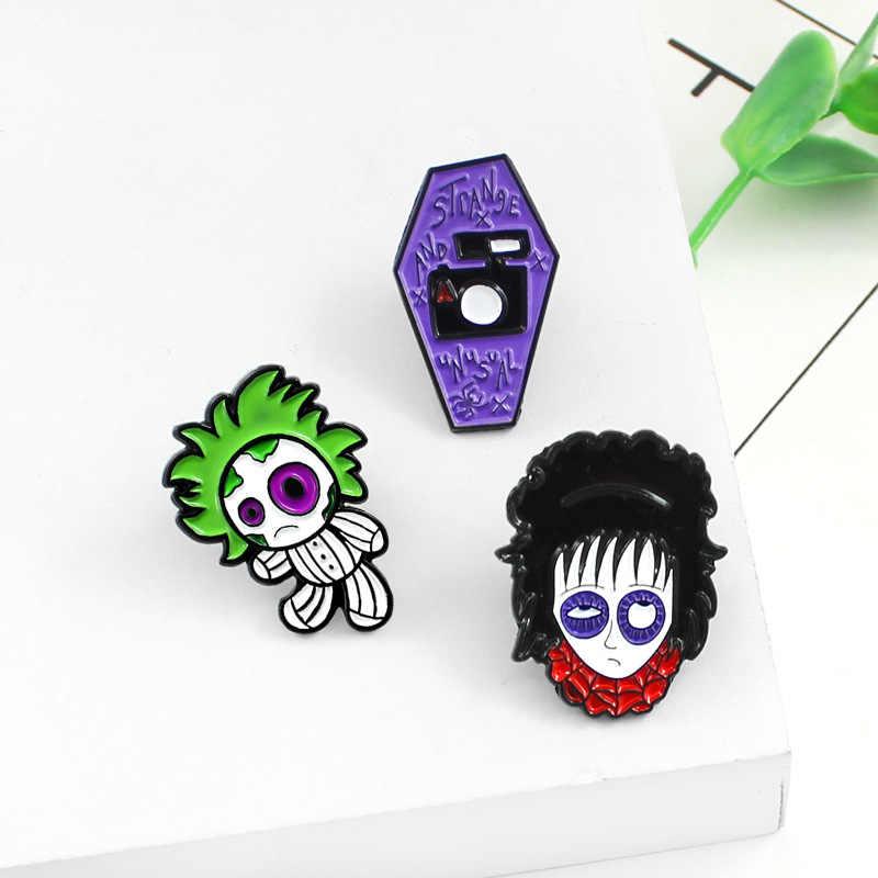 XEDZ Gothic การ์ตูนตุ๊กตาน่ากลัว Big Eyes กล้อง Enamel PIN ผมสีเขียว Boy brunette Girl กระเป๋าเป้สะพายหลังเสื้อ Badge เครื่องประดับเข็มกลัดของขวัญ