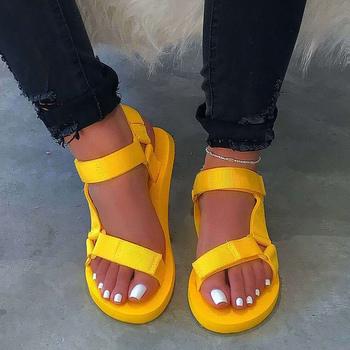 Sandały damskie 2020 letnie buty damskie piankowe sandały na platformie Hook Loop sandał na plażę dla kobiety płaskie z dużym rozmiarem 35-43 tanie i dobre opinie CYFMYD Poliester Buty Wtrysku EVA Mieszkanie z NONE Otwarta Med (3 cm-5 cm) 0-3 cm Na co dzień Hook loop Pasuje prawda na wymiar weź swój normalny rozmiar