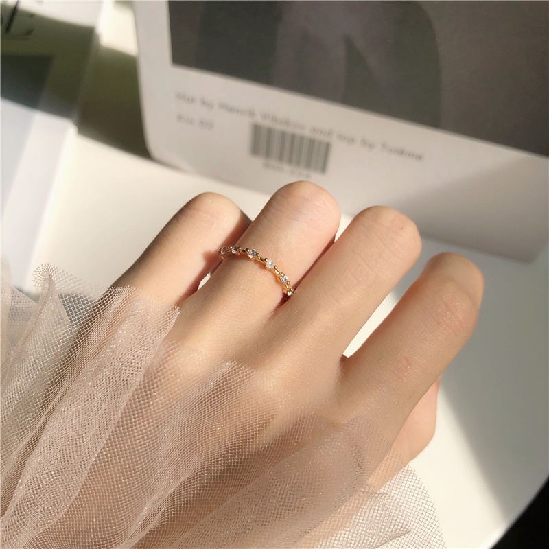 2019 New Temperament Gold Rhinestone Ring Unique Design Wedding Rings For Women Gifts Fashion Jewelry Dropshipping Accessories image