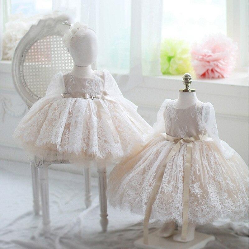 Dentelle élégante perle robes de fille de fleur dentelle blanche perle robes de décoration première Communication robes genou longueur