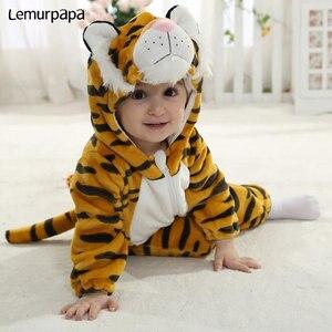 Image 2 - ベビー服かわいいタイガーアニマルコスチューム幼児の少年少女のカバーオールフランネル暖かいジッパー新生児おかしいジャンプスーツ kigurumis
