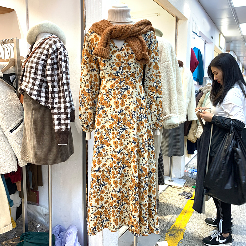 Image 5 - 2020 Spring Design Beautiful Dresses Floral Printed Long Sleeve V Neck Yellow Temperament Lady Vintage Dress Korea Style 12520Dresses   -