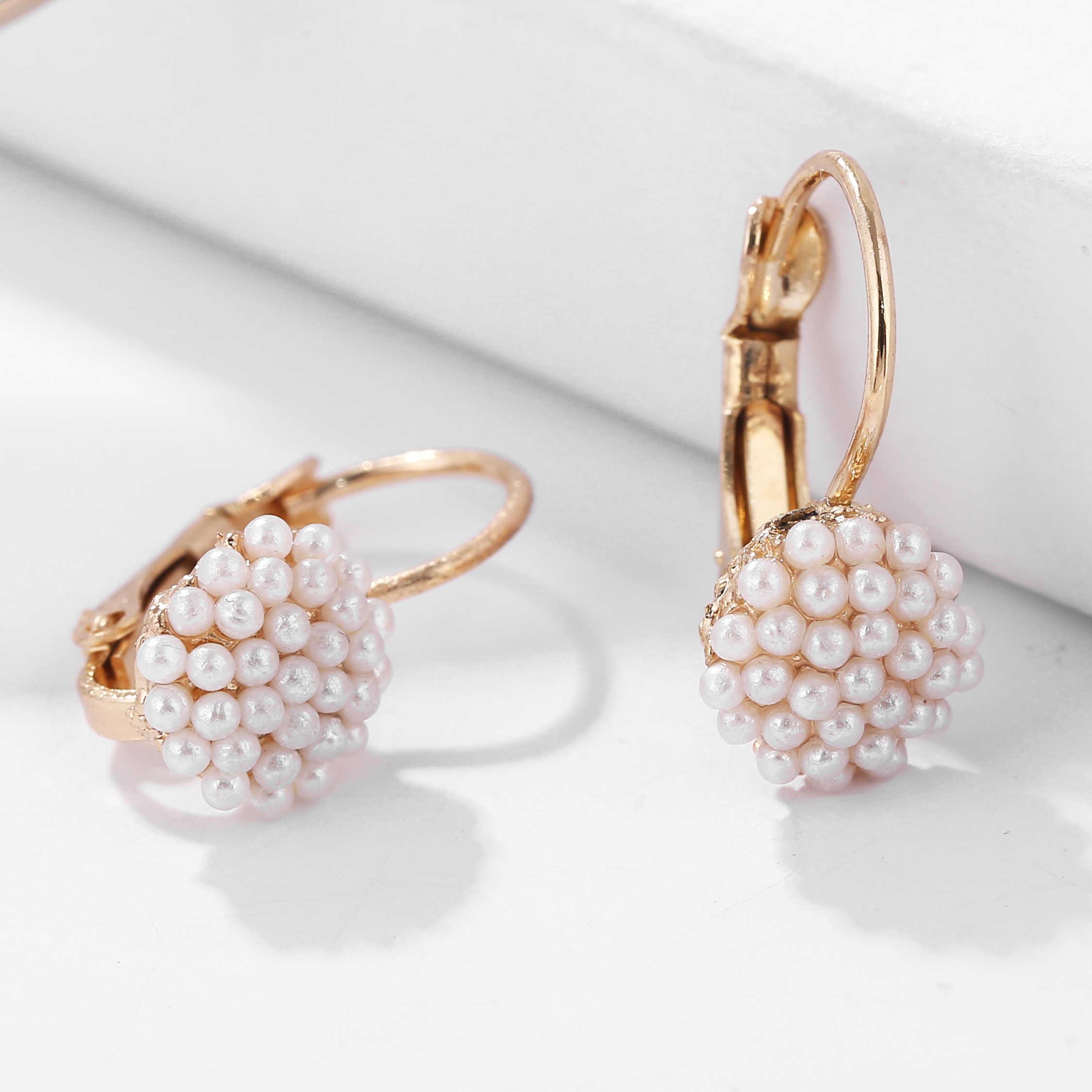 1 זוג 2019 חדש תכשיטים נשים ליידי אלגנטי פרל חרוזים אוזן Stud עגילים לנשים חתונת Jewerly תכשיטי חג המולד