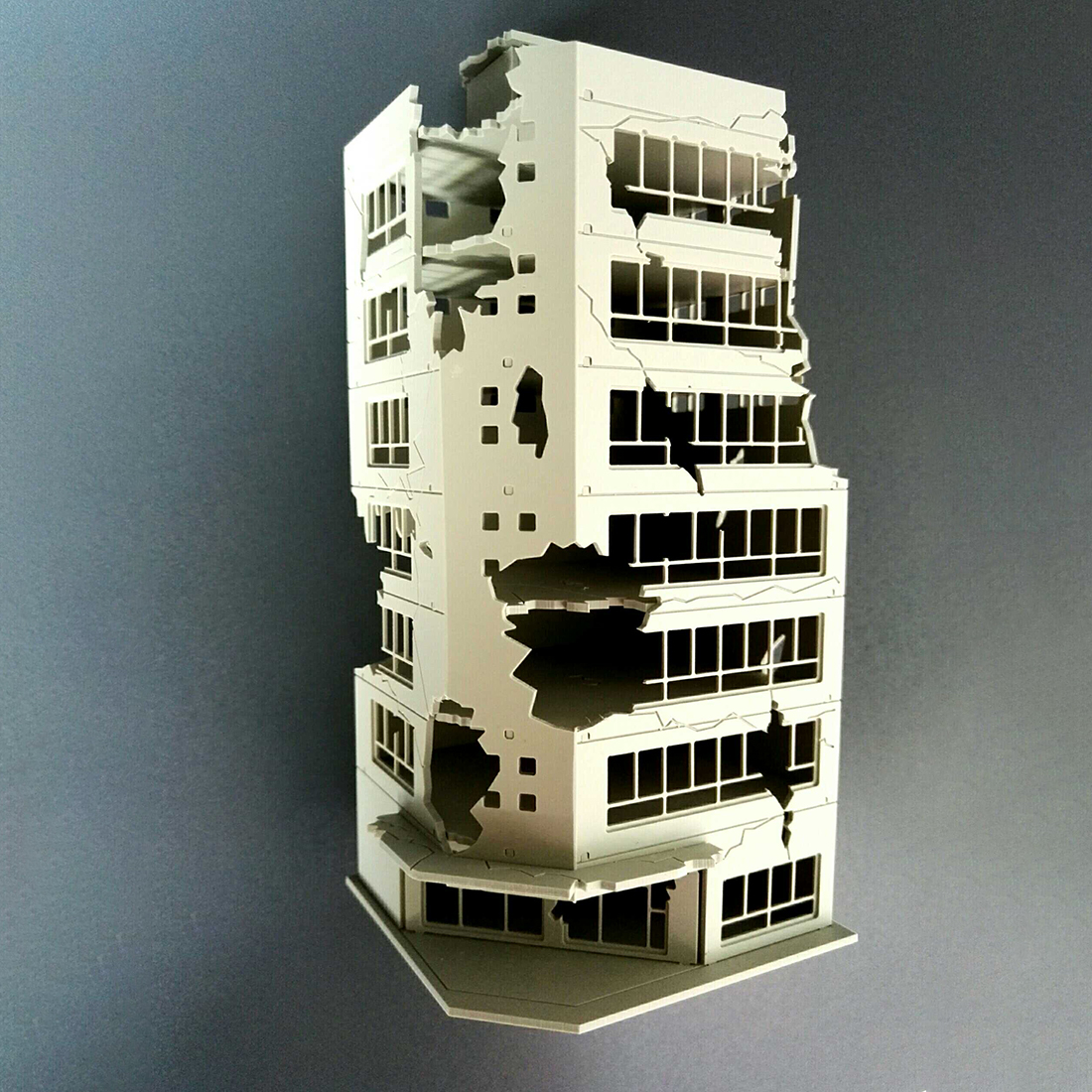 NFSTRIKE 1:100 / 1:144 Sand Table Ruined Building Model Battle Damaged Building Model - Battle Damaged Version