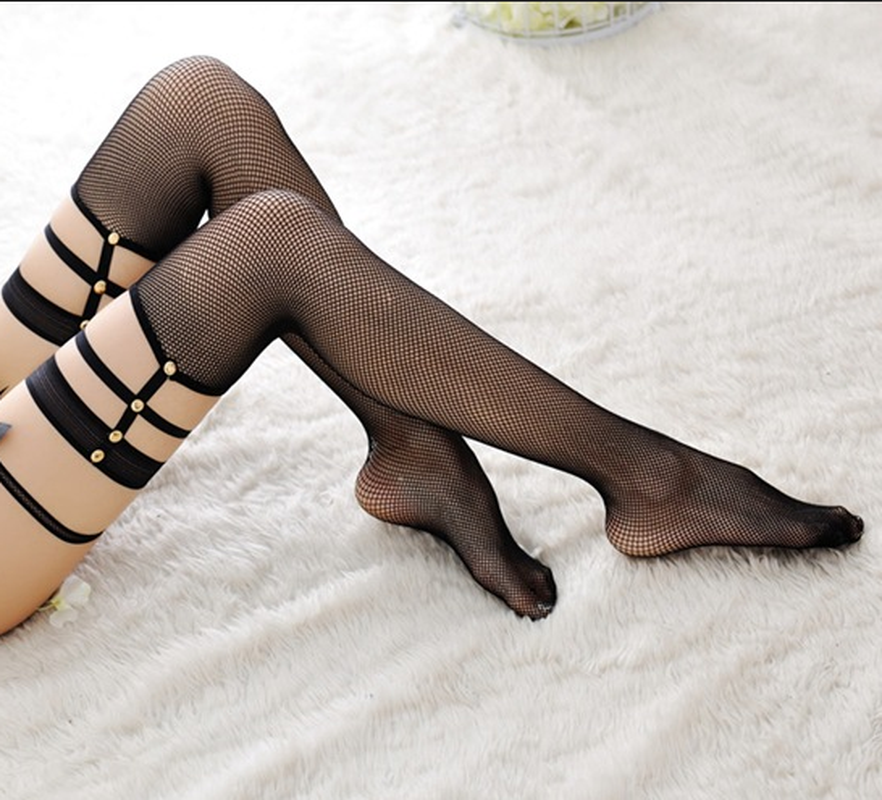 2019 Autumn Hot Fashion Women Sexy Stockings Soft Breathable Hollow Elastic Mesh Rivet Lace Top Party Thigh High Stockings