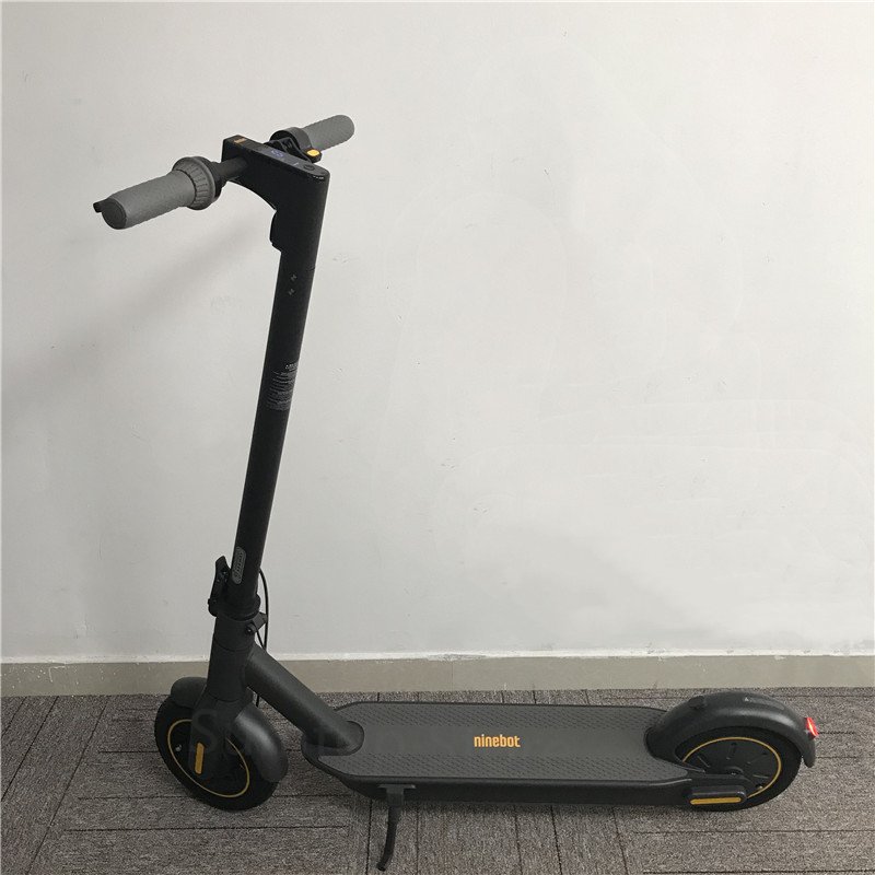 Original Kickscooter 30km/h 65km Mileage Smart Electric Scooter 10