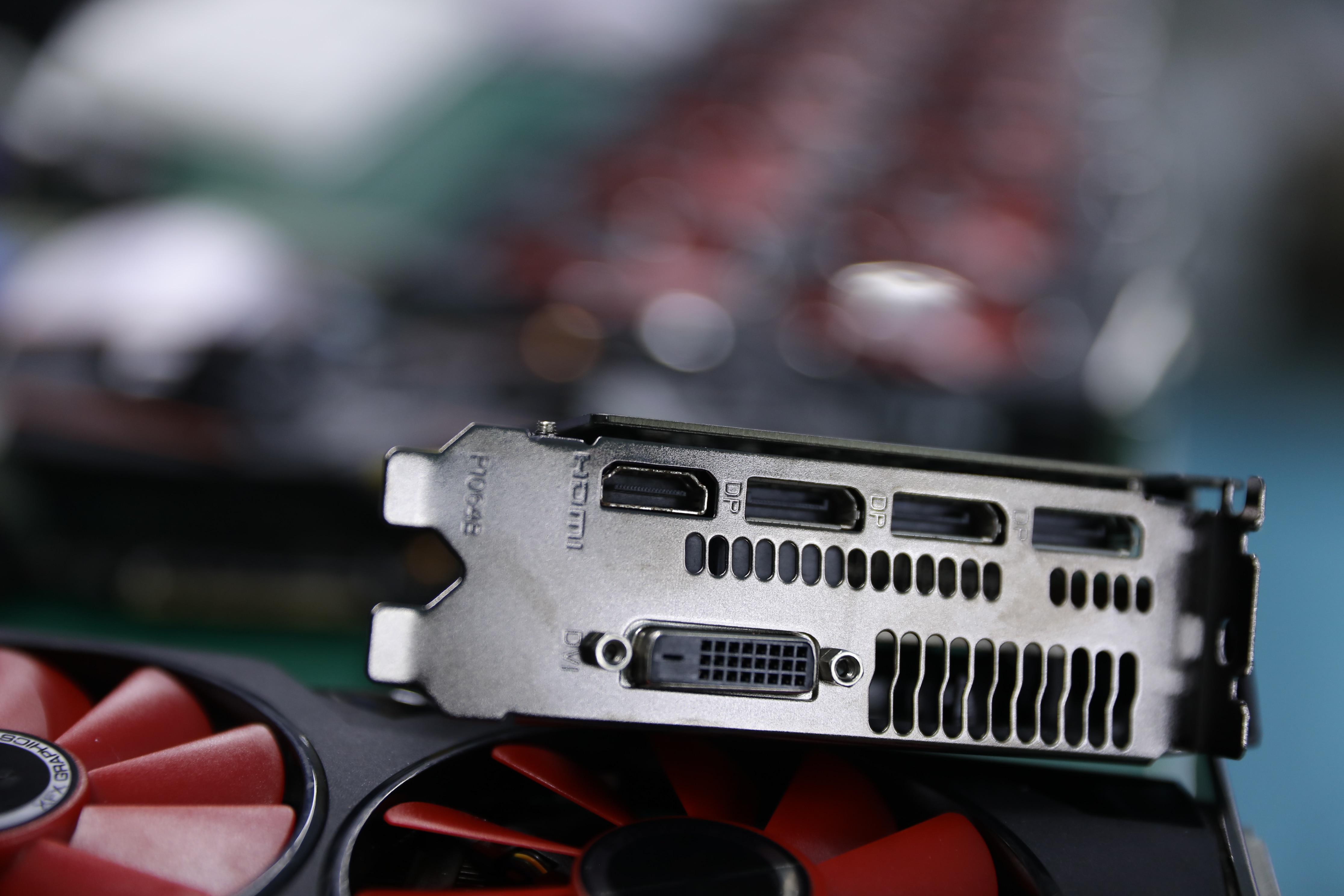 Бывшая в употреблении видеокарта XFX RX 580 8 Гб 2304 580 бит GDDR5 для настольного ПК игровая видеокарта не Майнинг 8G-4