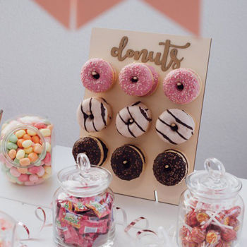 Wooden Wall Holds Donut Boards Stand Hanging Donuts Table Wedding Decoration Accessories Baby Shower Kids Birthday Party Decor wooden wall holds donut boards stand hanging donuts table wedding decoration accessories baby shower kids birthday party decor