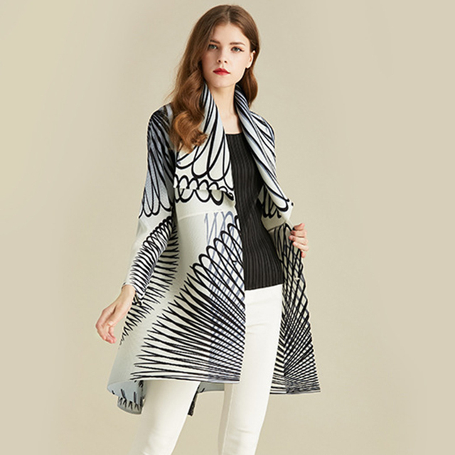 LANMREM White Stripe Long Sleeve Large Lapel Pleated Woman Cardigan Thin Jacket Casual Simple Fashion 2020 autumn Coat New TV586