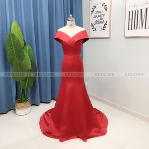 Image 2 - Elegant Off the Shoulder Burgundy Arabic Evening Dress Mermaid Long Satin Women Plus Size Formal Party Gowns Dubai Prom Dresses