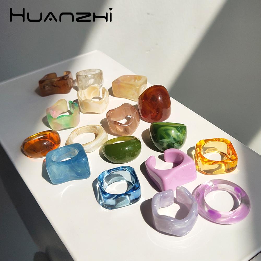 HUANZHI 2021 Новый Красочный прозрачный полимер минималистский акриловый Цветущий геометрический набор колец для женщин девочек Ювелирные изделия Подарки