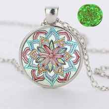 2019 new luminous crystal glass jewelry necklace mandala flower pendant