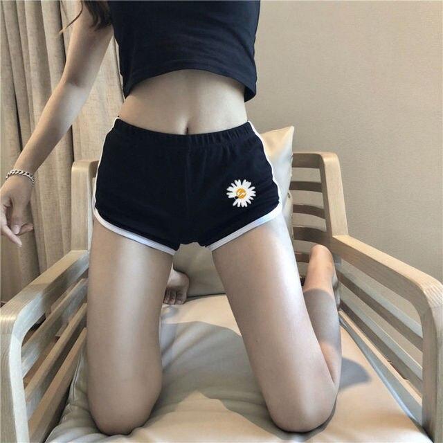 Korean Fashion Daisy Short Sexy Exposed Navel Vest Pants Set Women Slim Simple Sports Tops Shorts Suit Summer Streetwear Female 4