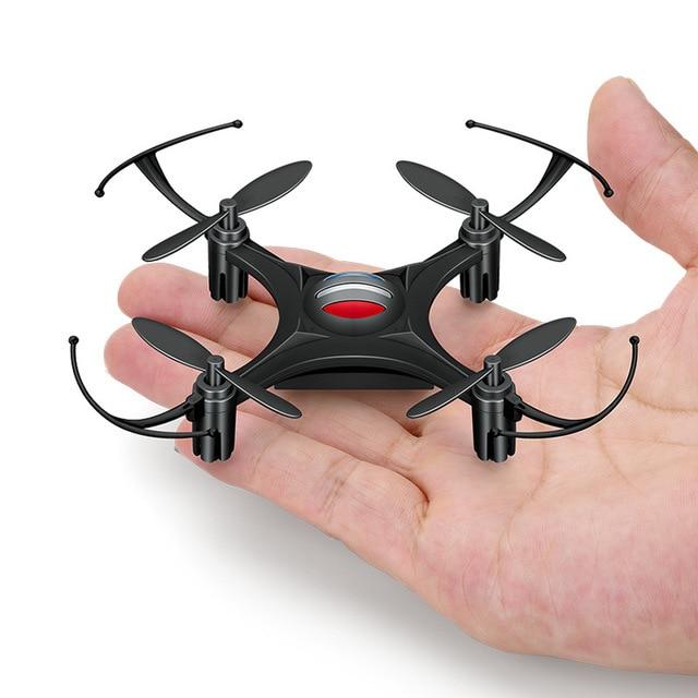 dron bezgłowy Quadcopter Dollar