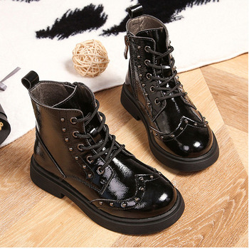 Children's Martin boots 2019 autumn and winter new leather Korean girls boots fashion rivet boys leather boots snow boots
