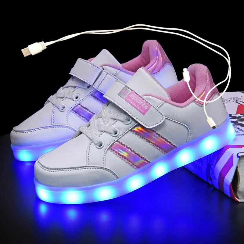 Кроссовки Детские светящиеся с зарядкой от USB, 7 цветов