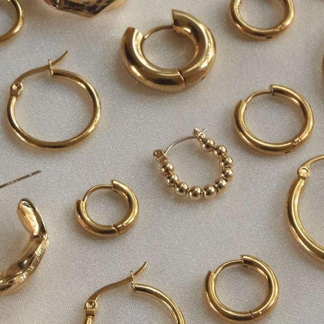 golden geometric earrings 2