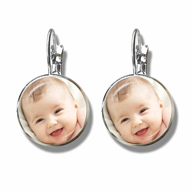 شخصية مخصصة أقراط صور أمي أبي الطفل الأطفال الجد الآباء تصميم شعار مجوهرات للأسرة هدية للذكرى السنوية
