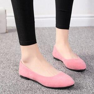 Image 5 - Zapatos planos de estilo europeo para mujer, mocasines informales con punta redonda, de talla grande 7 10, para Primavera, 2020