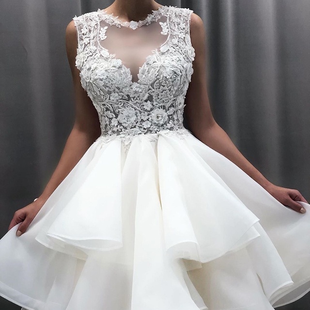 2021 New Lovely Short Lace Sleeveless Bridal Wedding Dresses Knee Length Illusion O Neck Wedding Gowns for Bride Cut Out Back 5