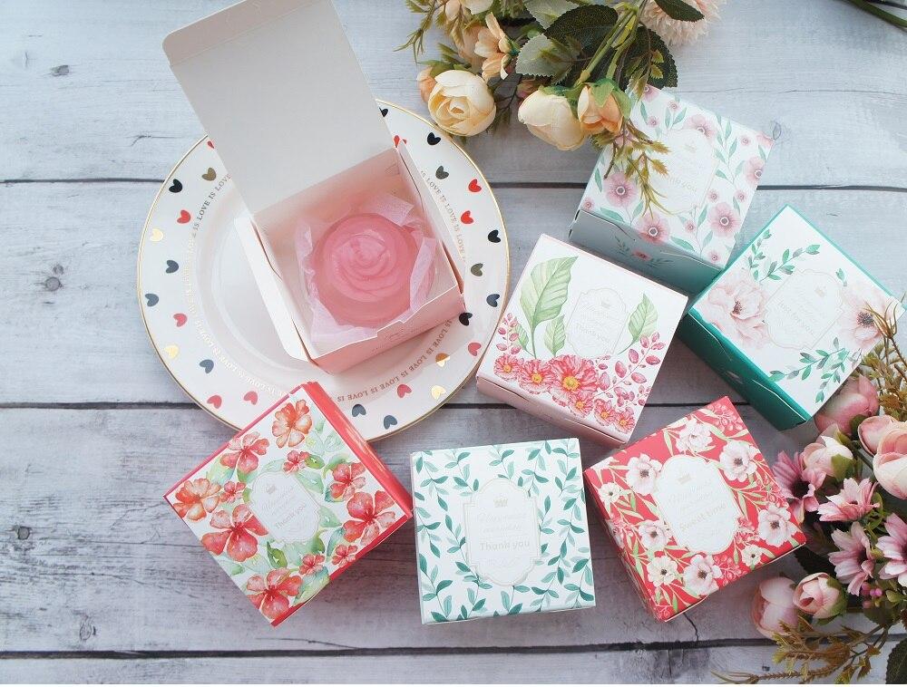 8.2*8.2*5.2CM petite boîte de papier fleur Cookie bonbons savon bougie emballage cadeau faveurs de mariage cadeaux décoration 100 pcs/lot