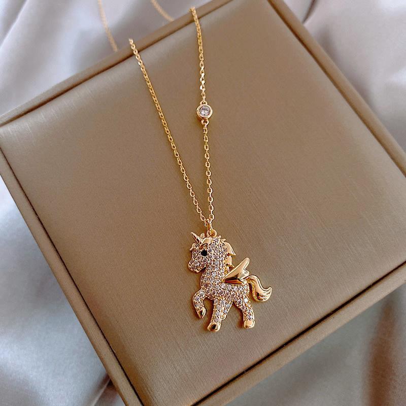 Korean Personality Simple Rhinestones Unicorn Pendant Necklace Temperament Sweet Girl Women Fashion Jewelry Accessories
