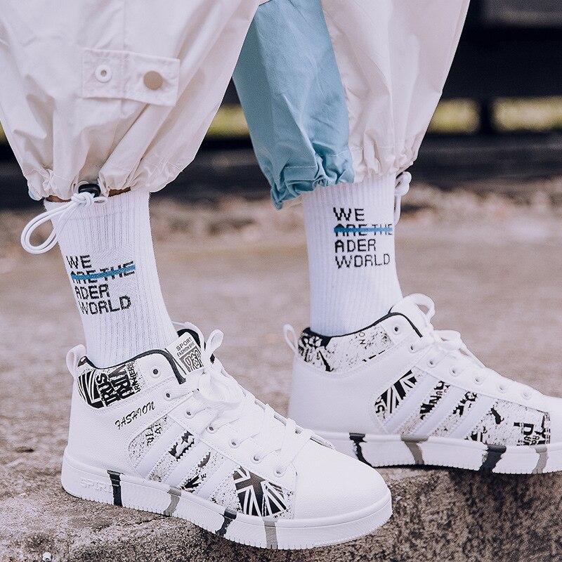 Tide Brand Skateboard Socks Men/Women Sports Socks World Peace Black And White Street Fashion Hip Hop Basketball Socks