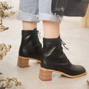 Image 4 - FEDONAS Qualidade Confortável pele de Carneiro Das Mulheres Tornozelo Botas De Marca Inverno Quente Botas Curtas Grande Tamanho da Fêmea Do Partido Sapatos Mulher Do Hight
