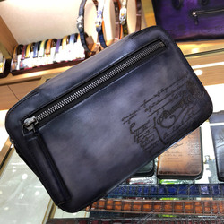 Handmade leather straddle bag is convenient for disscount