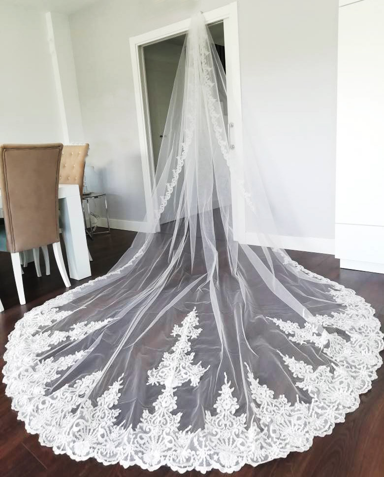 High Quality Neat Lace Long 4 Meters Wedding Veil with Comb 400cm One Layer Bridal Veil Bride Accessories Voile Mariage 2