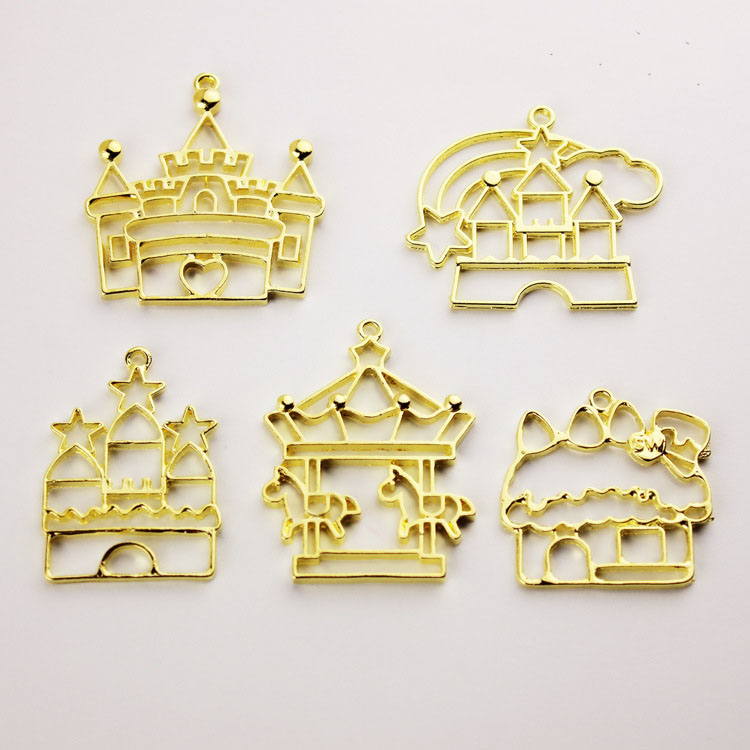 Open Bezel For UV Resin Filling Carousel Castle Metal Hollow Frame Mold Alloy Jewelry Accessories Pendant( 5Pcs / Gold)