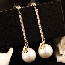 Moda famosa marca de lujo diseñadores imitación perlas letra largo encanto pendientes colgantes Brincos para mujeres