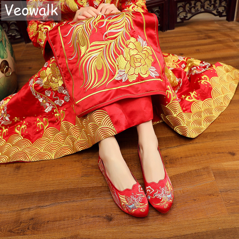 Veowalk Vintage Chinese Style Women Silk Embroidered Red Wedding Shoes High End Elegant Ladies Comfortable Bridal Flat Shoes