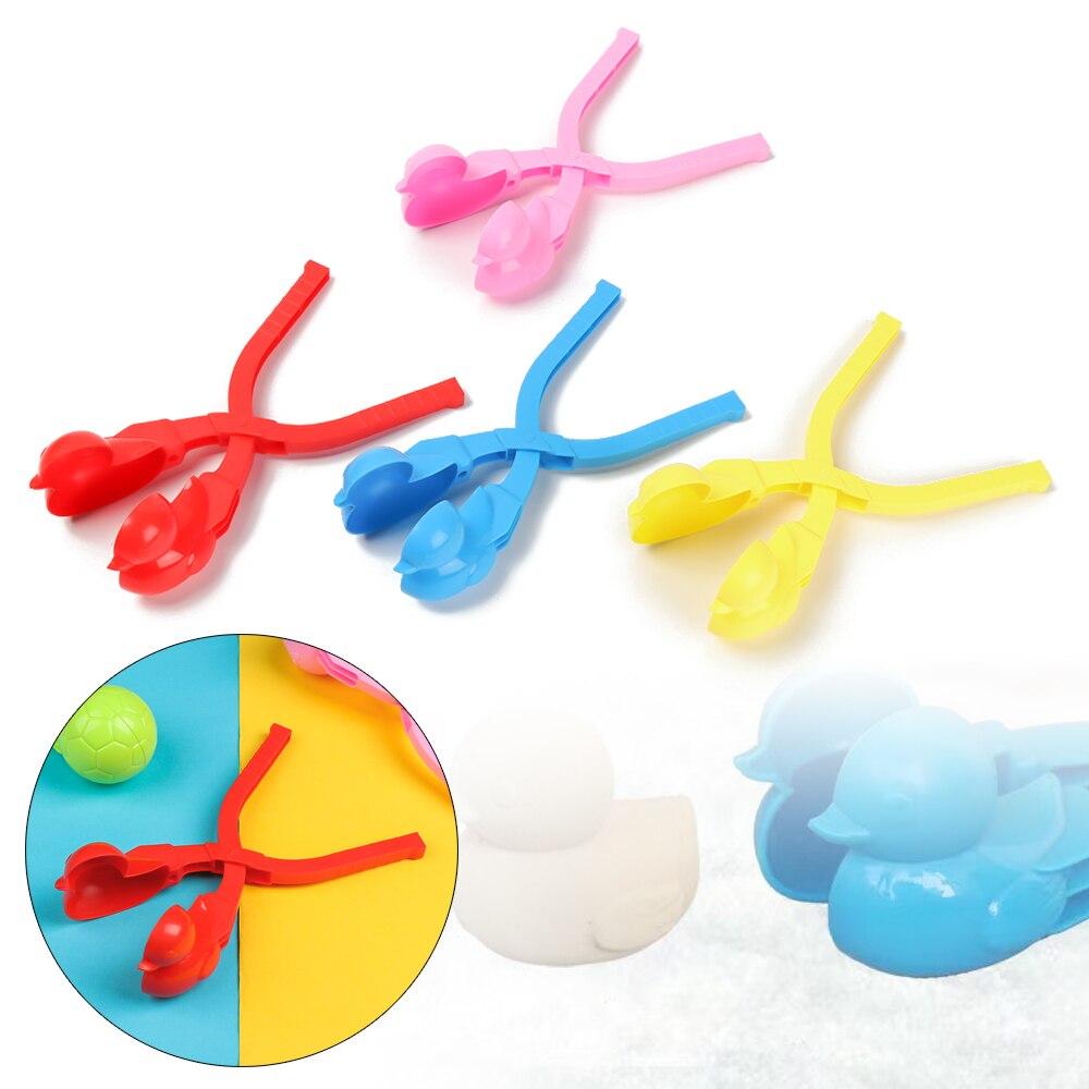 Boule de neige pince canard en forme de pelle à neige Football ShapeSand moule bonhomme de neige fabricant sculpter faisant des outils enfants Sports de plein air jouets