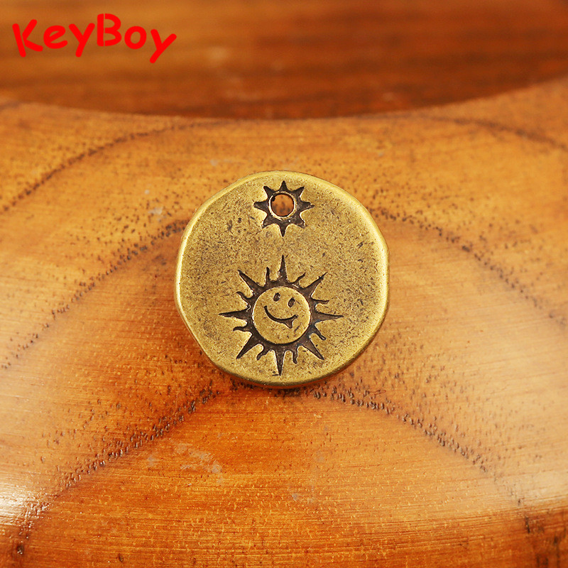Pure Brass Cute Sun Smile Face Small Round Card Tag KeyChain Pendant Trinket Bag Hanging Jewlery Necklace Bracelet DIY Accessory