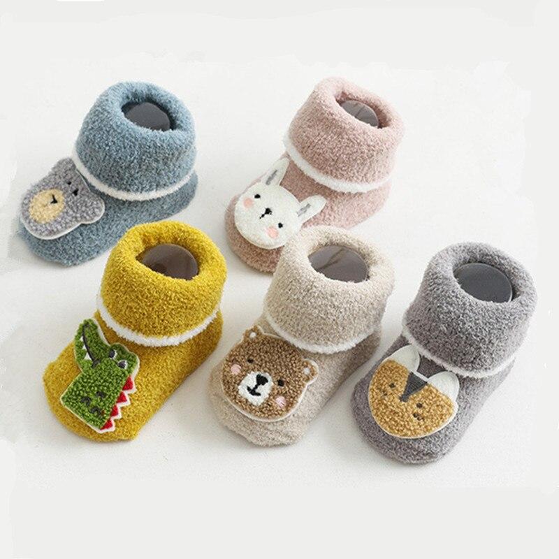 Детские мягкие нескользящие носки из силикона кораллового флиса для новорожденных милые детские эластичные носки-тапочки с рисунками для ...