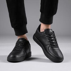 Image 5 - Marka skórzane męskie obuwie jesienne modne trampki obuwie gumowe ciepłe męskie płaskie buty zimowe męskie buty sprzedaż Man Designer