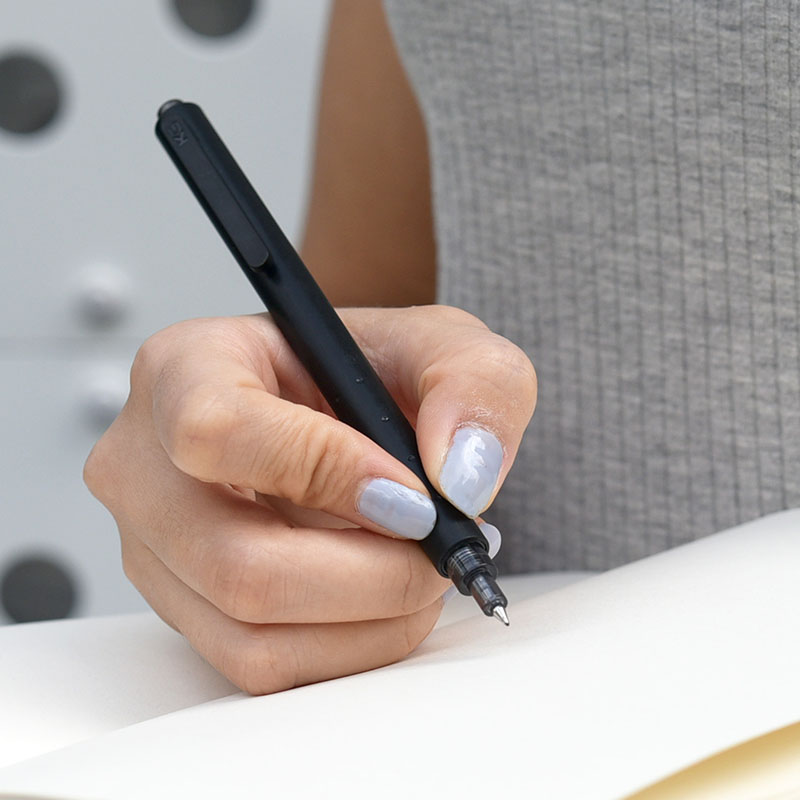 KACO GREEN ROCKET Simple White Black Pen Body Gel Pens 0.5mm Clip Fast Dry Sign Pen Gel-ink Stationery Black Ink pen 1PCS