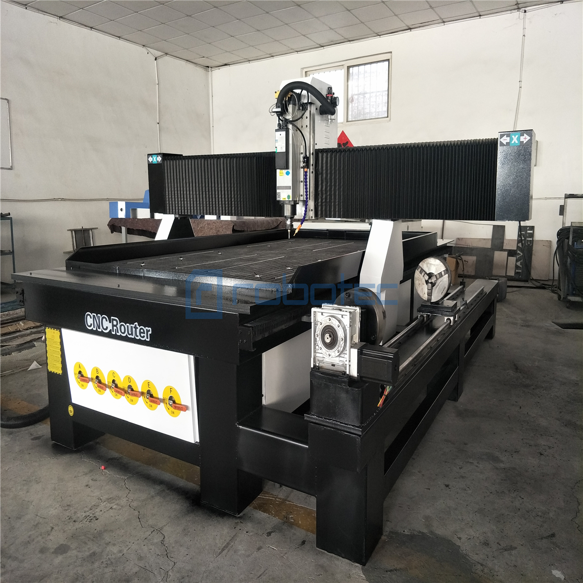 ROBOTEC 4 Axis Cnc Milling Machine Woodworking Cnc Router 1325/1530/2030 With 3.0kw 5.5kw Water Cooling Spindle
