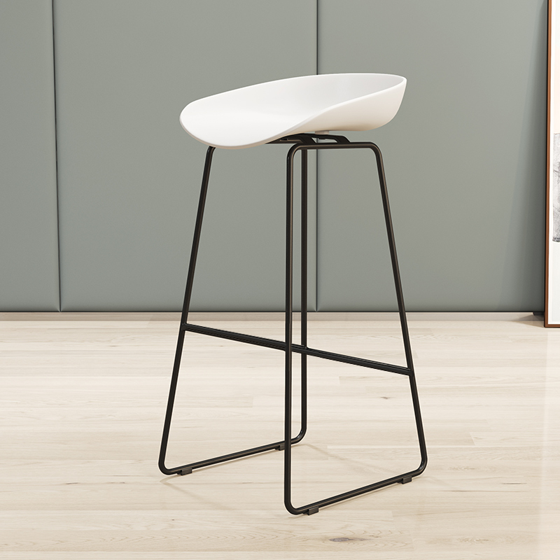 65cm Height Nordic Bar Stool Wrought Iron Bar Chair Home High Chair Creative Cafe Gold Bar Stool Dining Chair 150kg Bearing