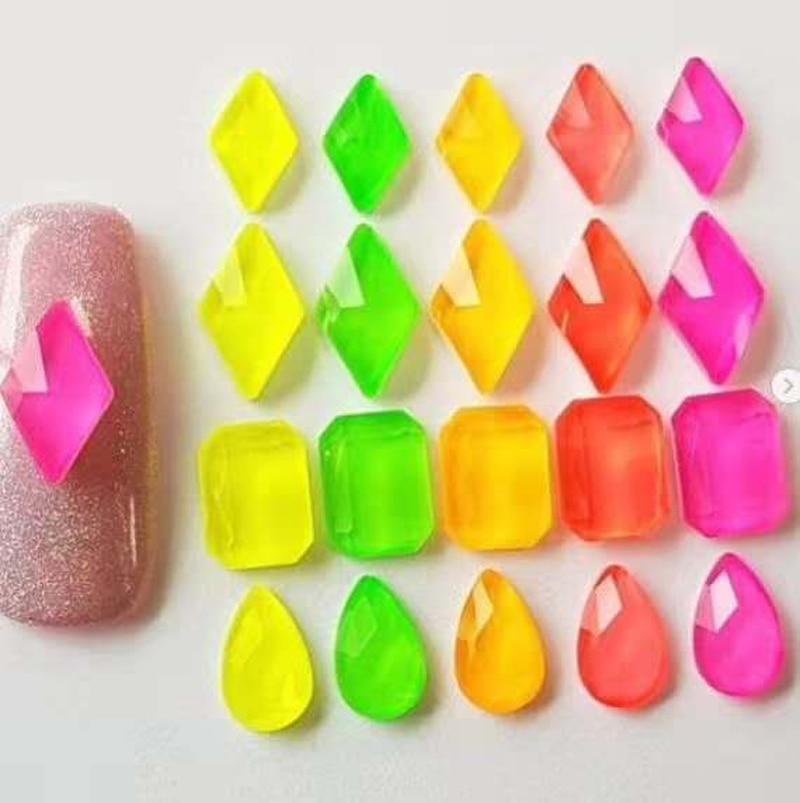 Купить 20 шт флуоресцентные стразы для ногтей 3d стеклянные плоские